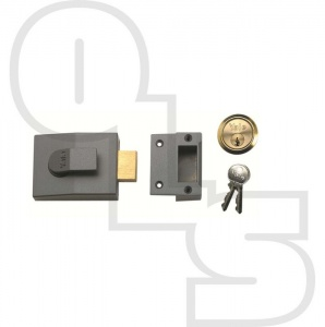 YALE 82 DEADBOLT NIGHTLATCH